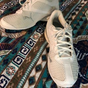 Ladies, puma Tennis shoes